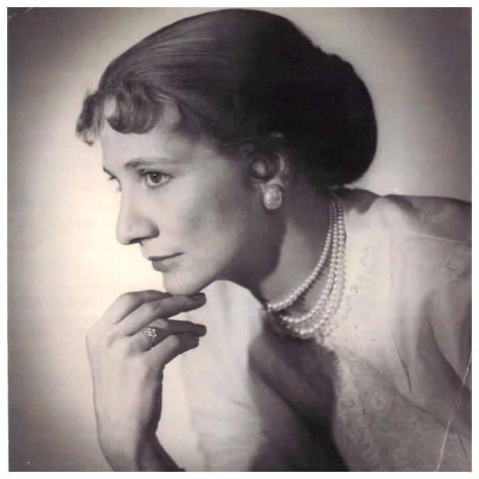 Marion Cuyjet, A Black Swan